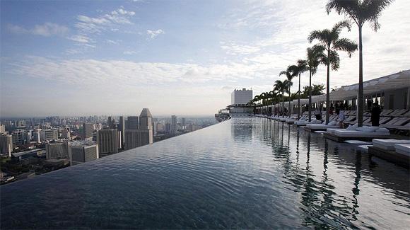 Marina Bay Sands – la piscina più spettacolare del mondo