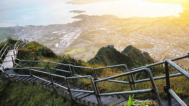 Haiku Stairs – La scala verso il paradiso