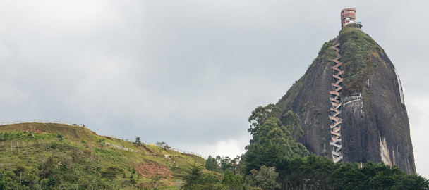 guatape-colombia-rock